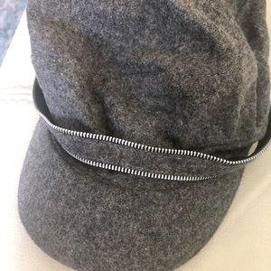 Retro chic hat